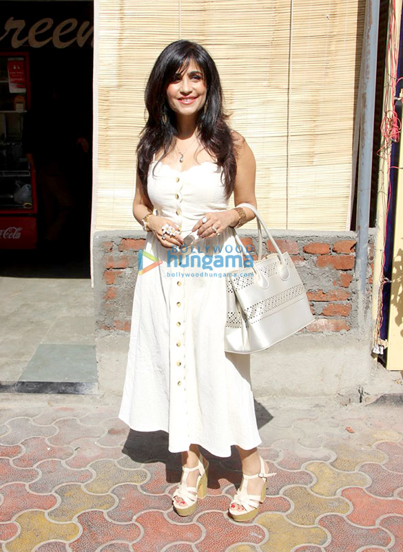 Shibani Kashyap spotted at Farmers' Cafe