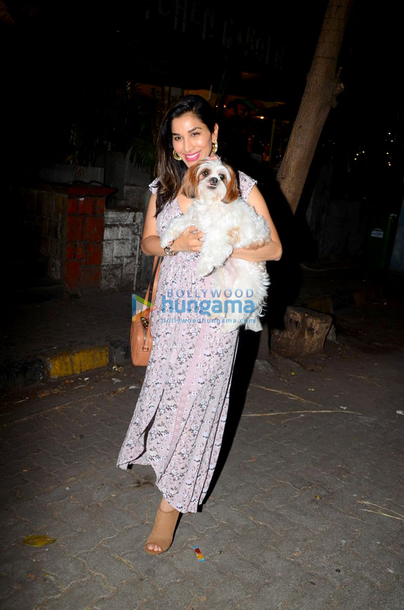 Sophie Choudry spotted at a cafe in Bandra