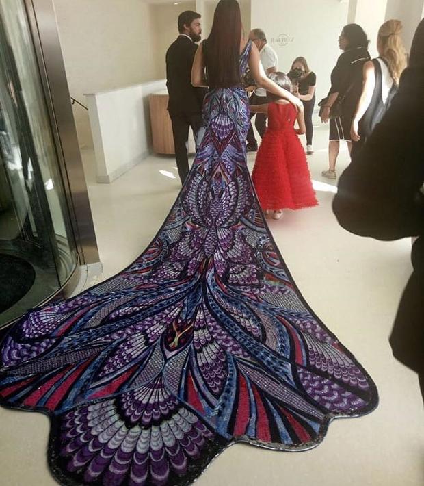 Aishwarya Rai Michael Cinco infinity gown Cannes 2018