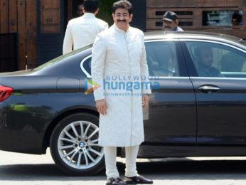 Anil Kapoor, Arjun Kapoor & others snapped attending Anand Ahuja-Sonam Kapoor's wedding