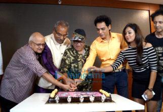Celebs grace the trailer launch of '10 Nahi 40'