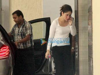Kareena Kapoor Khan and Karisma Kapoor spotted at Babita Kapoor's home