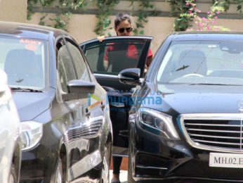 Kareena Kapoor Khan and others snapped outside the gym