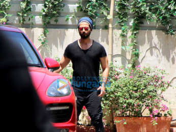 Kareena Kapoor Khan and others snapped outside the gym (4)