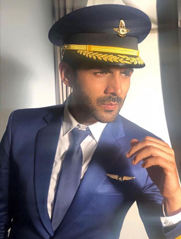 PHOTO ALERT: Kartik Aaryan dons a pilot look which has left everyone curious