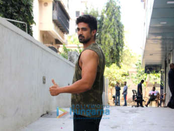 Shahid Kapoor, Rhea Chakraborty and others spotted at gym