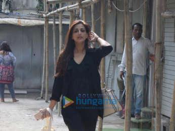 Sonali Bendre spotted at Kromakay salon in Juhu