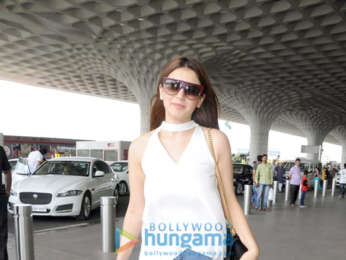 Vaani Kapoor, Karisma Kapoor and others snapped at the airport