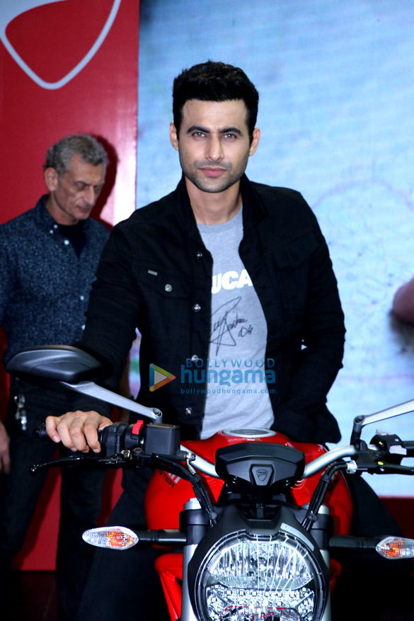 Freddy Daruwala snapped at Ducati showroom to launch new bike (6)