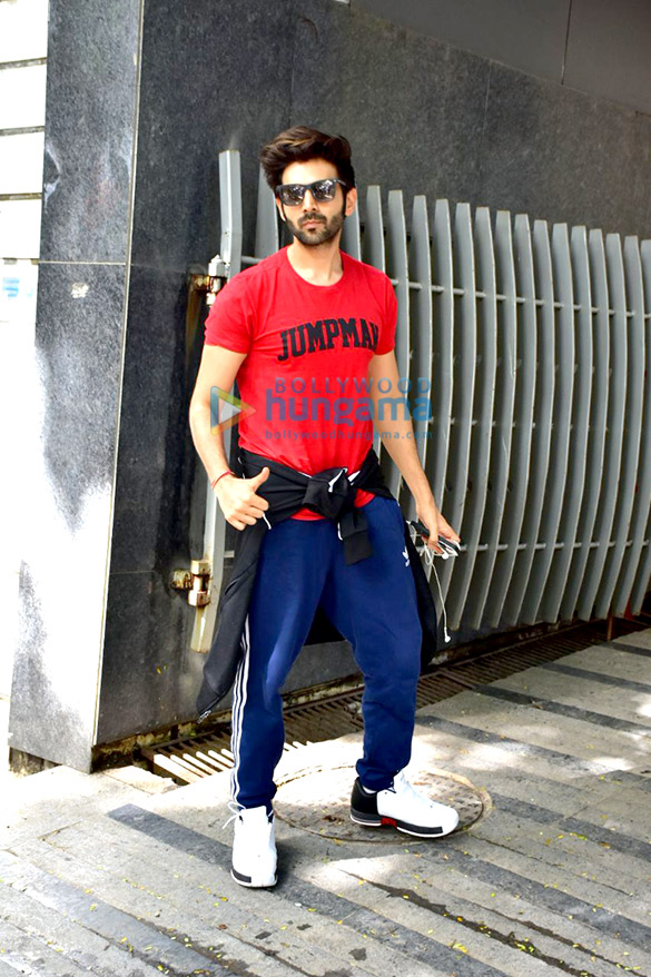 Kartik Aaryan spotted at gym in Bandra