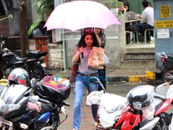 Konkona Sen Sharma spotted at Kitchen Garden