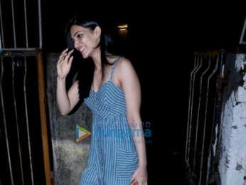 Kriti Sanon and Nupur Sanon spotted at Kromakay salon in Juhu