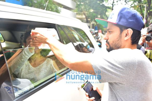 Kunal Khemu and Soha Ali Khan snapped outside Smoke House Deli