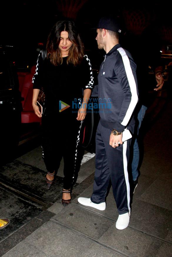 Priyanka Chopra, Nick Jonas and others snapped at the airport (1)
