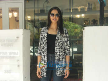Rakul Preet Singh snapped at BBlunt salon