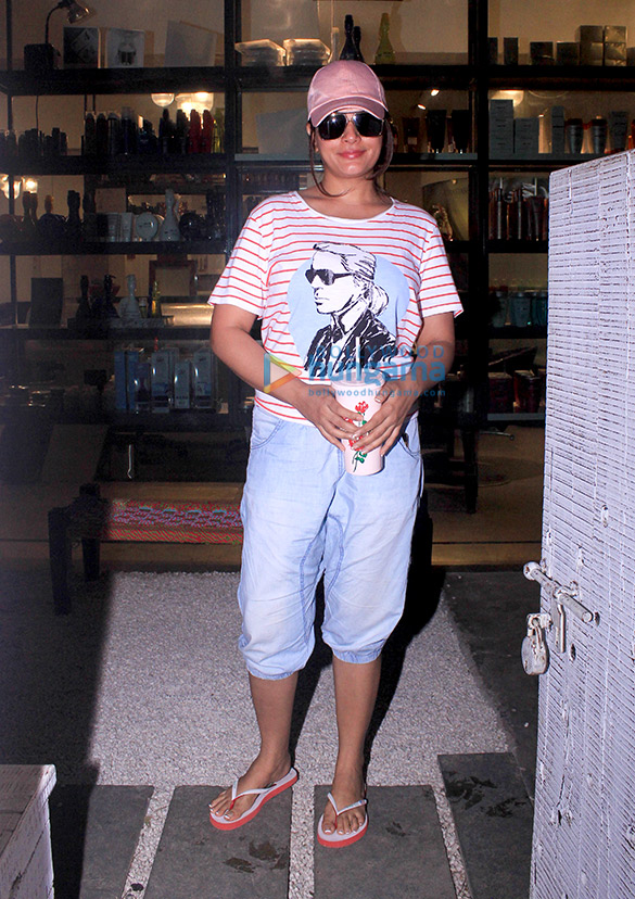 Richa Chadda spotted at BBlunt in Khar