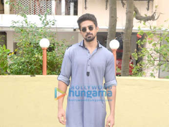 Saqib Saleem snapped celebrating Eid in Bandra