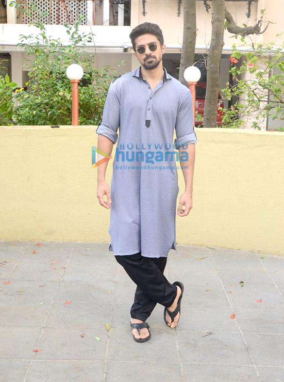 Saqib Saleem snapped celebrating Eid in Bandra