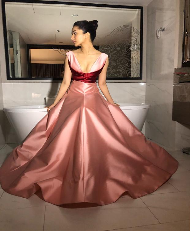 IIFA Awards 2018: Lo Behold! Shraddha Kapoor looks every bit