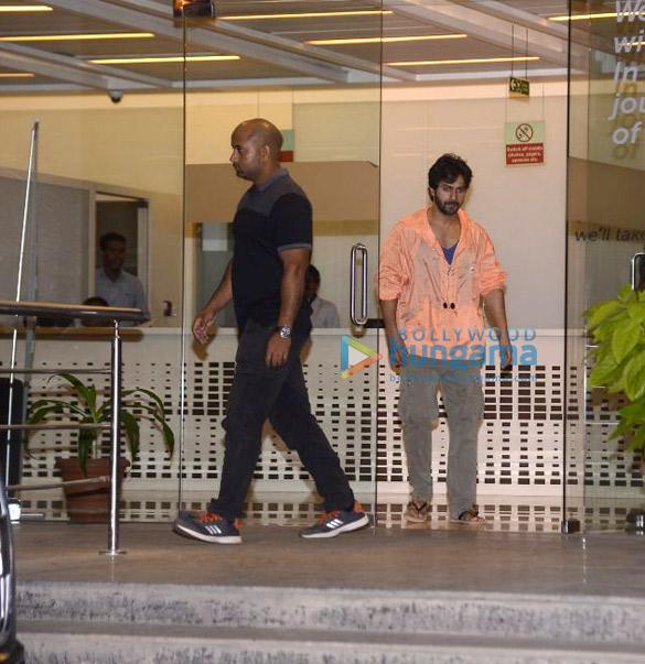 Varun Dhawan spotted at Hinduja hospital to see his newborn niece