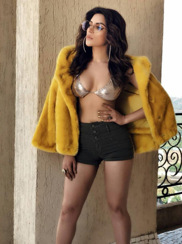 WOAH! Shama Sikander sets the temperatures soaring in this SIZZLING HOT bikini top