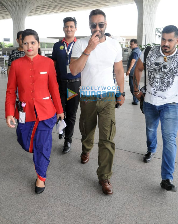 Ajay Devgn, Janhvi Kapoor, Ishaan Khatter and others snapped at the airport