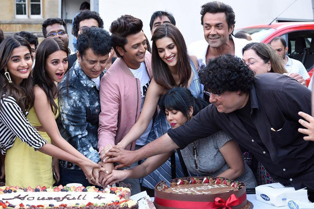 It's a wrap for Housefull 4 team! Akshay Kumar, Kriti Sanon, Bobby Deol and others complete first schedule in London