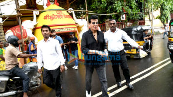 Jeetendra and Ekta Kapoor seek blessings at Shani Temple in Juhu