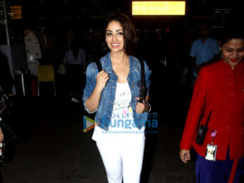Kangana Ranaut and Laxmi Rai snapped at the airport last night