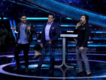Salman Khan, Guru Randhawa and Himesh Reshammiya snapped on the sets of Dus Ka Dum