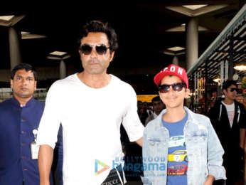 Shah Rukh Khan, Ranveer Singh, Arjun Kapoor and others snapped at the airport