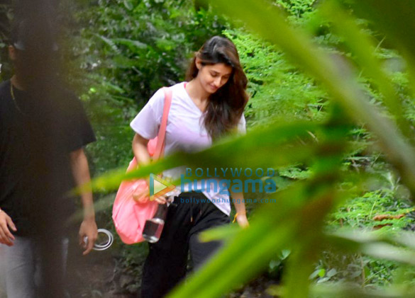 Disha Patani snapped after dance class in Bandra (2)