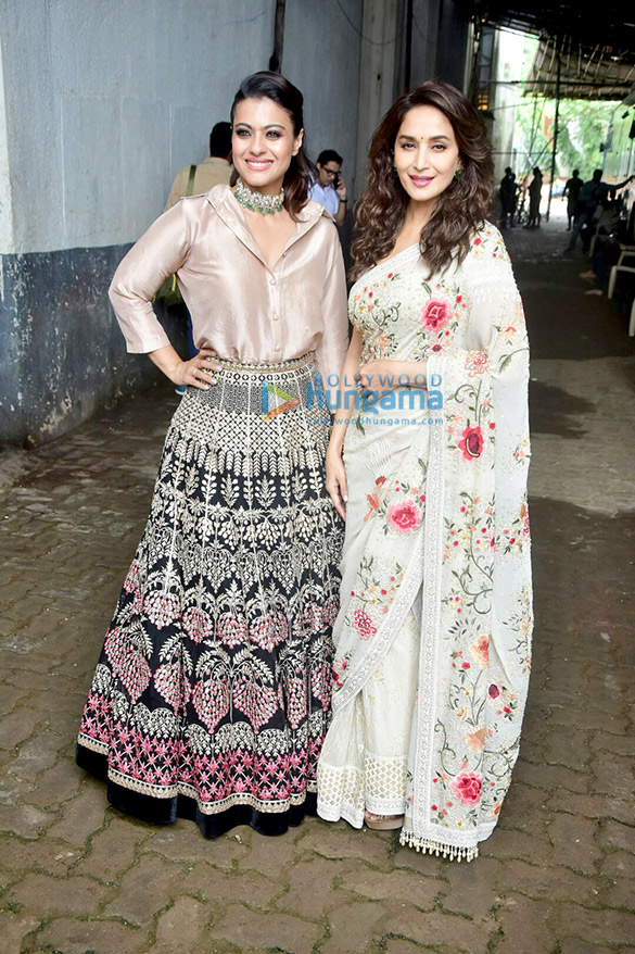 Kajol and Madhuri Dixit snapped on the sets of Dance Deewane (2)