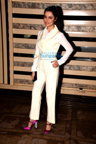Kanika Kapoor snapped at her birthday bash