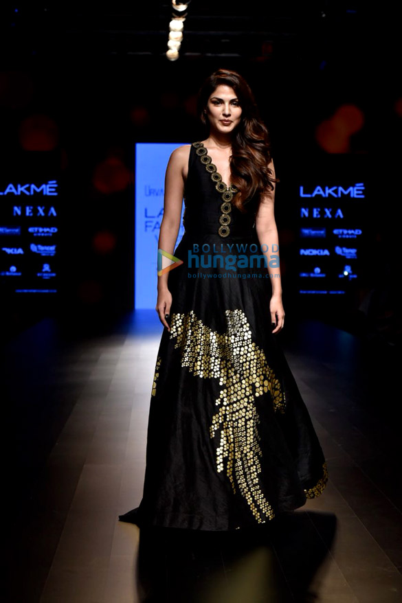 Rhea-Chakraborty-walks-for-Urvashi-Juneja-at-Lakme-Fashion-Week-1