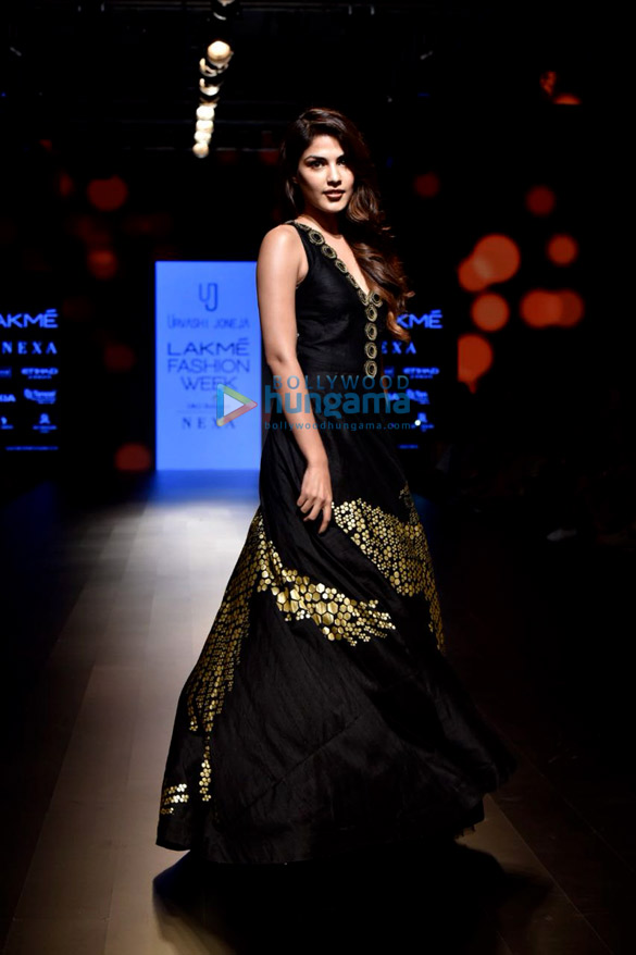 Rhea-Chakraborty-walks-for-Urvashi-Juneja-at-Lakme-Fashion-Week-2