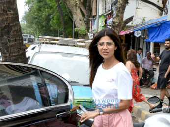 Shilpa Shetty spotted at Juhu