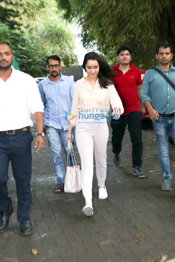 Shraddha Kapoor spotted at Sunny Super Sound in Juhu (3)