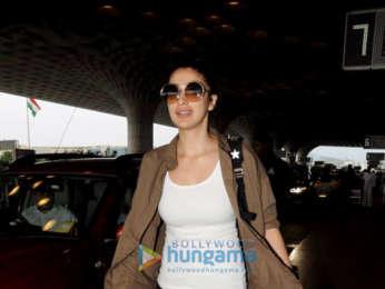 Sonam Kapoor Ahuja, Raveena Tandon and others snapped at the airport