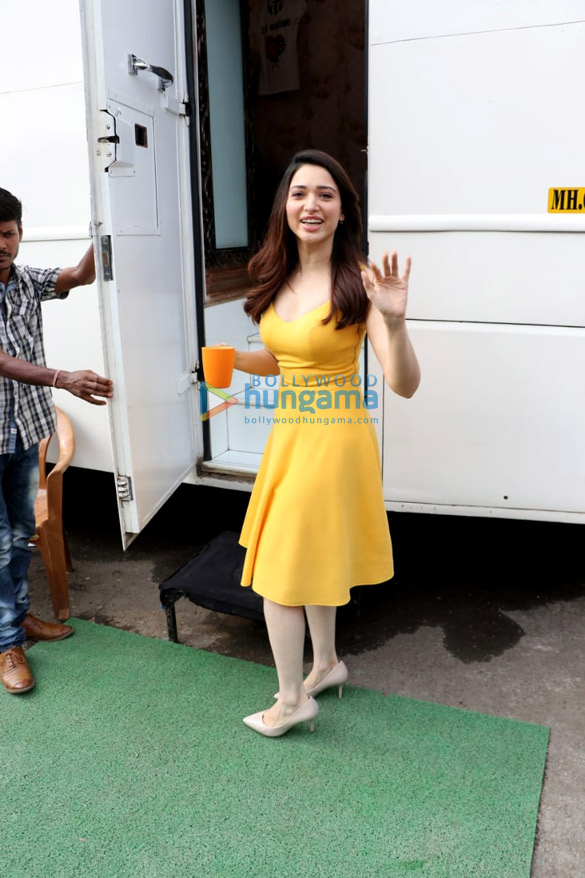 3fb2e3a82 Tamannaah Bhatia snapped on location of a shoot in Filmcity (1 ...