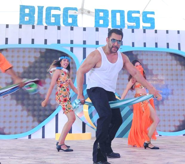 Bigg Boss 12 Salman Khan makes a SPLASHING entry at the launch event in Goa (see pics and video)
