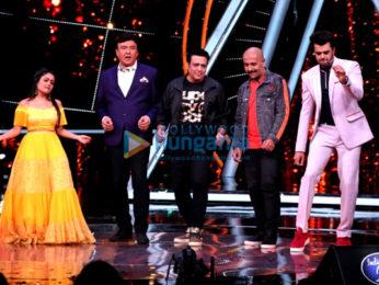 Govinda snapped promoting Fry Day on Indian Idol set