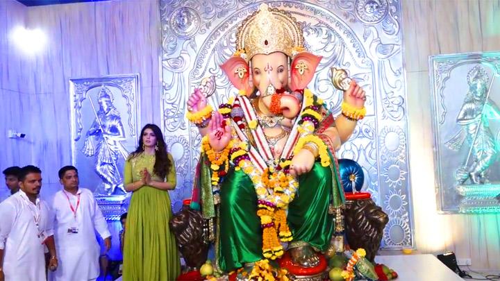 Ihana Dhillon spotted at Andheri ka Raja Ganpati pandal
