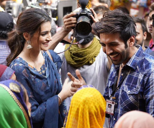 It S A Wrap For Kartik Aaryan And Kriti Sanon On Luka Chuppi