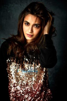 Celebrity Photos of Kriti Kharbanda