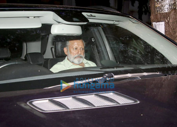Pankaj Kapoor arrives at the hospital to see his grandson (3)