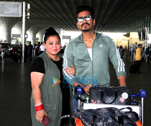 Sanjay Kapoor, Mouni Roy and others snapped at the airport