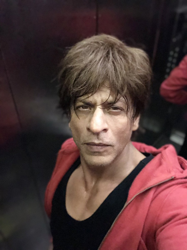 Shah Rukh Khan once again did #AskSRK twitter session and it was HILARIOUS