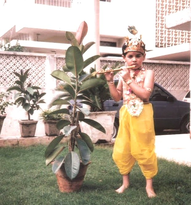 Throwback Sidharth Malhotra looks the CUTEST as Lord Krishna in this childhood picture