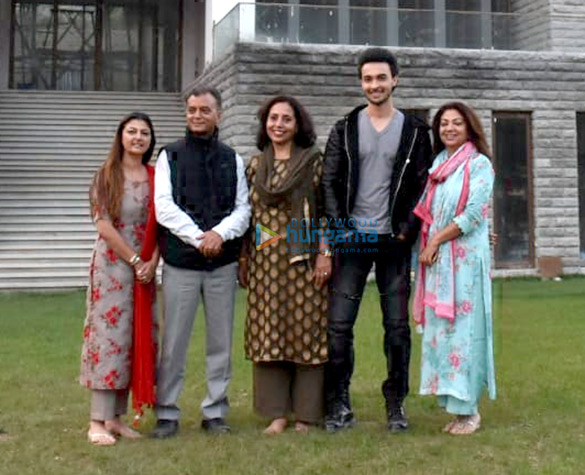Aayush Sharma and family visit his new bungalow in Himachal Pradesh